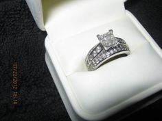 1 Carat Diamond Engagement Ring On Hand 25 Saying Yes