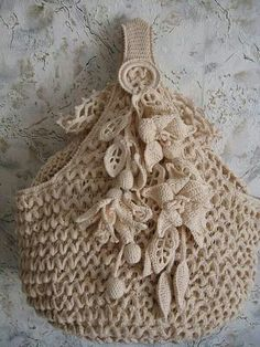 No instructions, just a beautiful crochet bag. Love Crochet, Irish Crochet, Beautiful Crochet, Crochet Flowers, Knit Crochet, Vintage Crochet, Crochet Crafts, Yarn Crafts, Crochet Projects