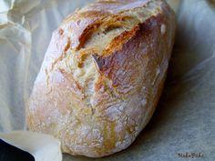 A saját sütésű kenyérnek varázsa van! Challah, How To Make Bread, Croissant, Bread Recipes, Food, Minden, Gastronomia, How To Bake Bread, Essen