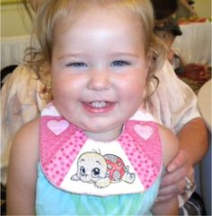 ITH Chin Bibs - baby loves it! Baby Bibs, Baby Love, Machine Embroidery, Sewing, Face, Projects, Tools, Bibs, Log Projects