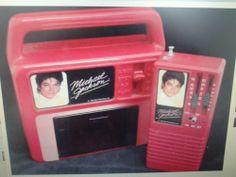 RARE MICHAEL JACKSON CASSETE PLAYER & AM/FM TRANSITOR RADIO BY ERTL VANITY FAIR  - http://www.michael-jackson-memorabilia.com/?p=7556