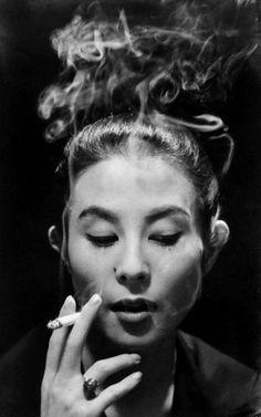 Japanese actress, Yoshiko KUGA (1931~) 久我 美子