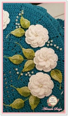 Crochet Easy Rose Free Pattern [Video] - a href='/tag/Crochet' Flower Motif Free PatternsPetal Flower Hotpad and Flower Square [Crochet Tutorial] Amazing square for bedspreads and afghans. Crochet Cross, Thread Crochet, Knit Or Crochet, Cute Crochet, Crochet Motif, Beautiful Crochet, Crochet Flower Patterns, Doily Patterns, Crochet Flowers