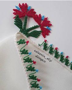 Christmas Wreaths, Christmas Ornaments, Holiday Decor, Instagram, Christmas Jewelry, Christmas Decorations, Christmas Decor