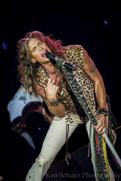 Aerosmith- Joe Perry and Steven Tyler met to form Aerosmith Victor Hugo, Music Love, Rock Music, 70s Music, Fred Instagram, Steven Tyler Aerosmith, Joe Perry, We Will Rock You, Rock Legends