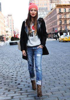 Julie Sariñana (Sincerely, Jules) in New York wearing #Zara distressed denim jeans and black coat, Stuart Weitzman leopard print ankle boots, Marc Jacobsknit beanie hat and Celine shoulder bag | Photo by Temoc Gonzalez