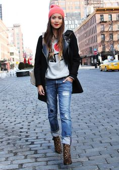 Julie Sariñana (Sincerely, Jules) in New York wearing #Zara distressed denim jeans and black coat, Stuart Weitzman leopard print ankle boots, Marc Jacobsknit beanie hat and Celine shoulder bag | Photo by Temoc Gonzalez