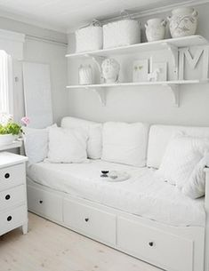 Brilliant Bedroom Design Ideas for Small Space
