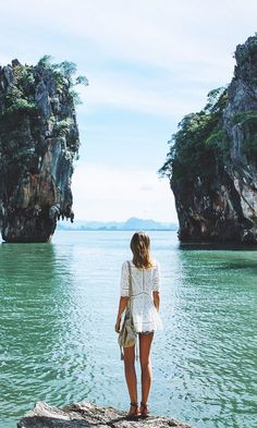 We're all ready for our next vacation, but did you ever think about going solo? Here are 5 reasons why you should take that next trip by yourself