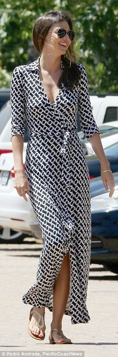 Miranda Kerr wearing Dvf Abigail Maxi Dress and Oliver Peoples Benedict Basic Aviator Sunglasses