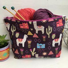 Enjoy Arts And Crafts Alpacas, Crochet Projects, Sewing Projects, Knitting Projects, Knitting Patterns, Sewing Patterns, Yarn Storage, Yarn Bag, Llama Alpaca
