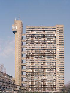 """""""Utopia"""", serie de fotos que captura la Arquitectura Brutalista de Londres,© Studio Esinam / Rory Gardiner"""