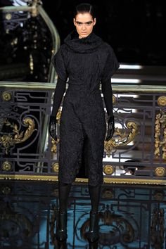 John Galliano Fall 2013 Ready-to-Wear Collection Slideshow on Style.com