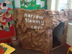 Going on a bear hunt role play early years eyfs Nursery Activities, Infant Activities, Activities For Kids, Door Displays, School Displays, Classroom Displays, Camping Dramatic Play, Dramatic Play Area, Fiestas
