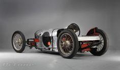 John Bolster's Bloody Mary custom built cycle-car. Nice style.
