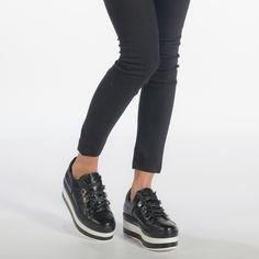 Best High Heels Collections Ideas For Teens To Have Asap Pink Uggs, Pretty Lights, Alexander Mcqueen, Black Jeans, High Heels, Vans, Teen, Sneakers, Blog