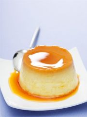 Annemarie Wildeisen und Florina Manz: Crème caramel Creme Caramel, Mousse Dessert, Angle Food Cake Recipes, Flan, Pudding, Yummy Treats, Panna Cotta, Cheesecake, Food And Drink