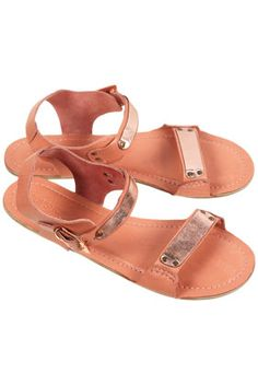 .in need of a new simple summer sandle