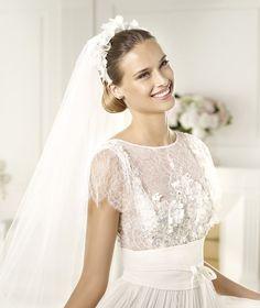 Pronovias vous présente la robe de mariée Lorraine. Elie by Elie Saab 2013.   Pronovias