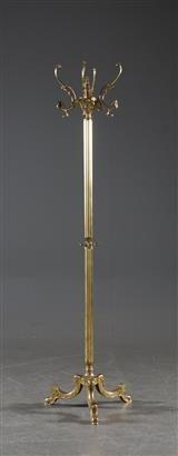 Tamburmajor i mässing, 1900-talets andra hälft Auktion slut 16/11 Master Bedroom, Auction, Master Suite, Master Bedrooms, Master Bathrooms