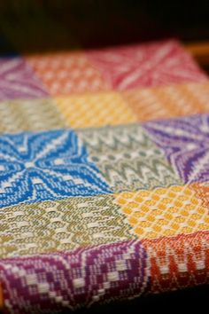 Weave-Away: In my world, color brings happiness! Weaving Tools, Card Weaving, Weaving Projects, Weaving Art, Loom Weaving, Weaving Textiles, Weaving Patterns, Textile Design, Textile Art