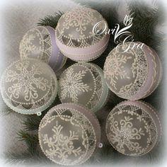 Shabby Chic Snowflake Ornaments - Looks like they are done with puffy paint - OxiGra: Po pierwsze - DZIĘKUJĘ!