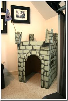 Cardboard Box Castle- http://www.kitschdesigns.com/post/Making-And-Crafts--Cardboard-Box-Castle.aspx#comment