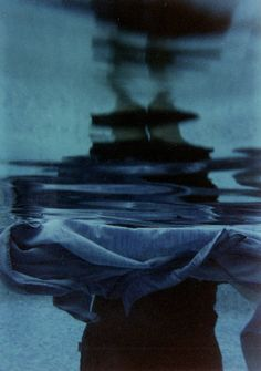 uaex: by Paloma Canut Blur Photography, Monochrome Photography, Artistic Photography, All About Water, Midnight City, Mood Indigo, Abstract Images, Blue Tones, Color Stories