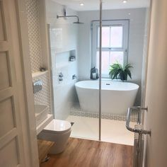 A small bathroom can look stylish and feel spacious whilst being perfectly practical. Here are our small bathroom ideas to help make your space feel bigger. Small Bathroom With Tub, Small Bathroom Layout, Bathroom Tub Shower, Bathroom Renos, Family Bathroom, Small Wet Room, Wet Room With Bath, Bathroom Ideas White, Bathroom With Shower And Bath