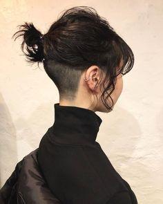 Pin on 刈り上げボブ Hair Inspo, Hair Inspiration, New Hair, Your Hair, Aesthetic Hair, Aesthetic Drawing, Grunge Hair, Green Hair, Pretty Hairstyles