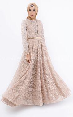 Angela Dress Islamic Fashion, Muslim Fashion, Modest Fashion, Unique Fashion, Hijab Fashion, Fashion Ideas, Dress Brokat, Long Midi Dress, Kebaya Muslim