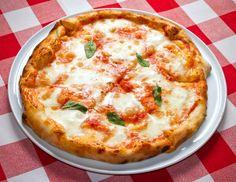 Breve storia della pizza, dalle origini alla svolta gourmet