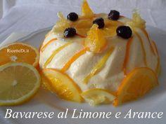 Bavarese all'arancia e limone http://ricettedi.it/cucina/2009/09/bavarese-al-limone-e-arance/ Un trionfo di panna montata, zucchero e latte. Soffice, morbida e spumosa ma, con ben 300 ml. di succo di agrumi, rischia di non stancarvi mai. Un cucchiaio dopo l'altro, magari con una fettina di arancia caramellata, e potreste davvero rischiare di mangiarvela tutta!