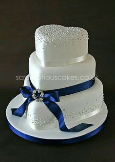 Wedding Cake - Navy Ribbon with Piped Dots and Brooch - Fancy Cake Beautiful Wedding Cakes, Beautiful Cakes, Amazing Cakes, Heart Shaped Cakes, Heart Shaped Wedding Cakes, Wedding Cake Designs, Wedding Ideas, Wedding App, Wedding Wishes
