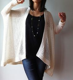 looks very nice, rp: Ravelry: Angela - easy trendy cardigan pattern by Vicky Chan Crochet Diy, Crochet Coat, Crochet Cardigan Pattern, Crochet Jacket, Love Crochet, Crochet Scarves, Crochet Clothes, Crochet Sweaters, Sweater Patterns