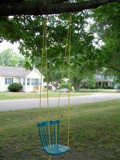 DIY Swing Ideas for Kids – Page 2 – Craft projects for every fan! Backyard Trees, Cozy Backyard, Backyard Playground, Backyard Retreat, Wooden Swing Chair, Swinging Chair, Chair Swing, Decoupage Chair, Swing Sets For Kids
