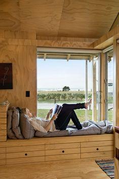 Wellington-based Parsonson Architects. ventana asiento madera
