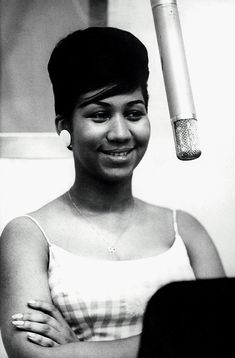 Aretha Franklin singer pianist Queen 👑 of soul, actress, soul music motown
