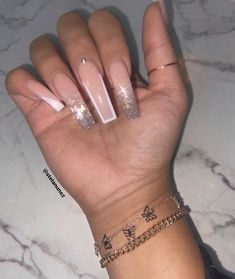 In look for some nail designs and ideas for your nails? Listed here is our list of must-try coffin acrylic nails for cool women. Drip Nails, Aycrlic Nails, Glam Nails, Bling Nails, Cute Nails, Pretty Nails, Nails Inc, Beauty Nails, Beauty Makeup