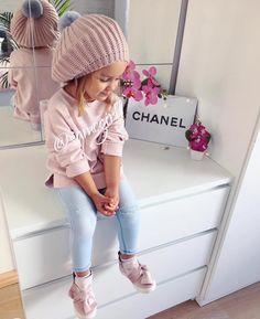 Pin by Yana Turianska on Дитячий одяг Cute Little Girls Outfits, Little Kid Fashion, Baby Girl Fashion, Toddler Fashion, Kids Fashion, Toddler Girl Style, Toddler Girl Outfits, Outfits Niños, Cute Baby Girl