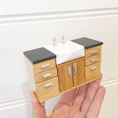 Modern style kitchen or bathroom sink 1/12 scale miniature for dollhouse