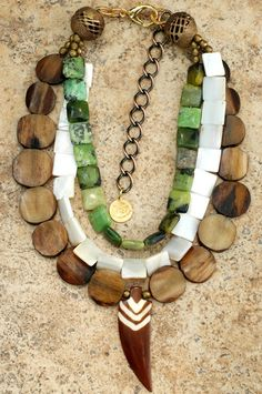 (C_02)* Earthy Green, White & Brown Multiple Strand Arrowhead Pendant Necklace