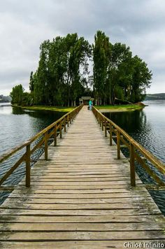 Walkway to Aucar Islet Quemchi Chiloé Island Chile. Central America, South America, Drake Passage, Visit Chile, Andes Mountains, Miles To Go, Amazing Architecture, Caribbean, Walkway