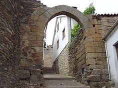 Arco do Castelo de Vila Flor