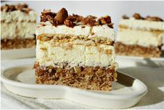 Desert prajitura Deliciu Sweet Desserts, Vegan Desserts, Mini Cakes, Cupcake Cakes, Romanian Desserts, Cake Recipes, Dessert Recipes, Pastry Cake, Food Cakes