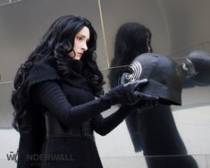Choice - Fem Kylo Ren by beckyalbright on DeviantArt Kylo Ren Costumes, Cosplay Costumes, Awesome Cosplay, Best Cosplay, Kylo Ren Cosplay, Star Wars Helmet, Adult Halloween, Reylo, Ahs