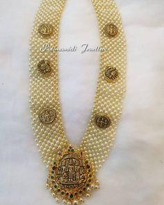 Goorgeous gold long haaram with pearl and Ram parivar pendant. Long haaram with swan motifs. Gems Jewelry, Pearl Jewelry, Diamond Jewelry, Gemstone Jewelry, Beaded Jewelry, Jewelery, Jewelry Accessories, Jewelry Necklaces, Beaded Bracelets