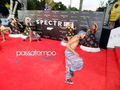 Bailarín en la alfombra roja de Spectre en la Ciudad de México (in the red carpet of Spectre at Mexico City)