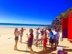 Fraser Island Tours conducted by Sunset Safaris offer perfect ambience for cleansing your soul, mind and body. Island 2, Island Tour, National Park Tours, National Parks, Fraser Island Australia, Australia Tours, Day Off, Brisbane, Safari