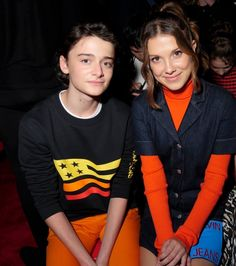 Noah and millie stranger things actors, millie bobby brown, rare pictures, book show Stranger Things Premiere, Stranger Things Actors, Stranger Things Funny, Eleven Stranger Things, Stranger Things Netflix, Stranger Things Season, Stranger Things Halloween Costume, Stranger Things Upside Down, Cute Friends